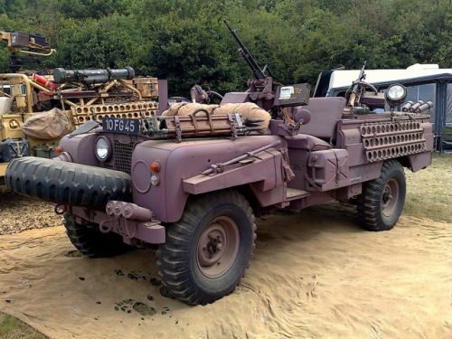 Land Rover 109 Pink Panther.