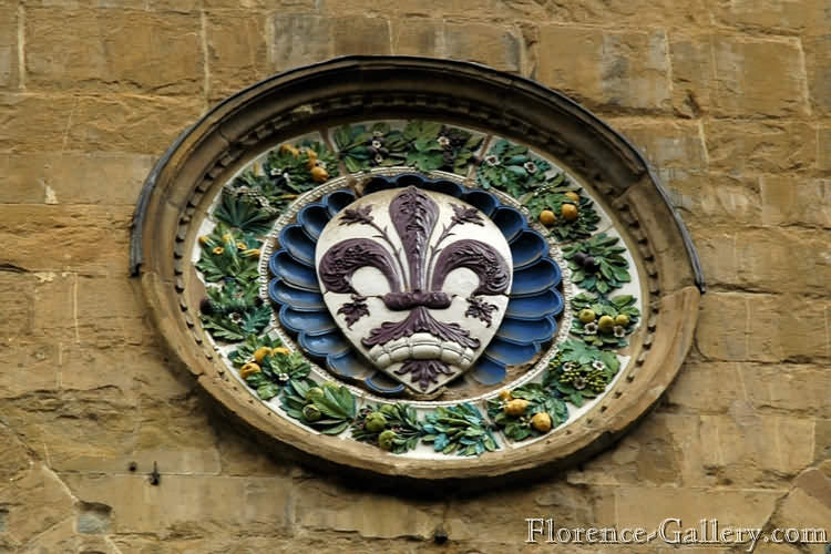 Раньше всех в Европейских городах лилия появилась в гербе Флоренции..jpg